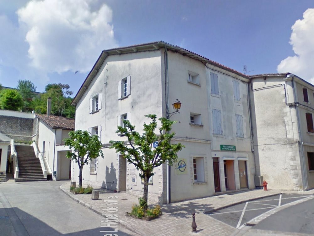 chalais-46-place-irenee-mauget-1